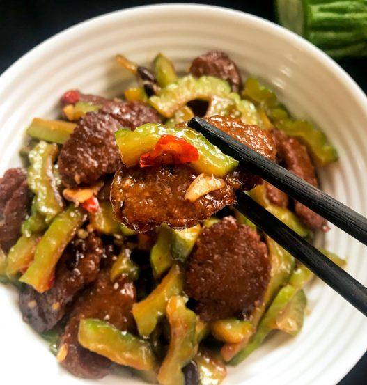 Black Bean Beef with Bittergourd 素苦瓜炒牛肉
