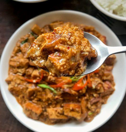 Tofu Pad Pong Karee Thai Curry Sauce