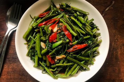 Pak Boong Fai Daeng | Stir-Fried Water Spinach Kang Kong